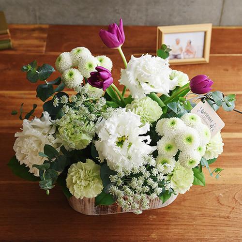 【お供え用】O・SO・NA・E flower 「2月のウッドボックスアレンジメント」