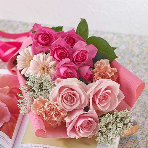 <日比谷花壇> メロディーボックス花束「ローズハッピーバースデー」