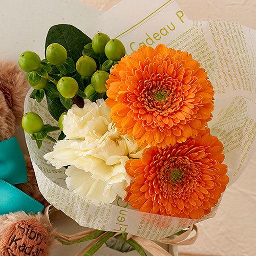 「5月のバースデーベア」と花束のセット