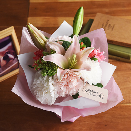 日比谷花壇【日比谷花壇】【お供え用】O・SO・NA・E flower 「5月のそのまま飾れるブーケ」