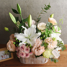 【お供え用】O・SO・NA・E flower 「6月のウッドボックスアレンジメント」