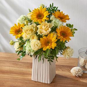 アレンジメント「7月の旬の花 ラトゥール」の商品画像