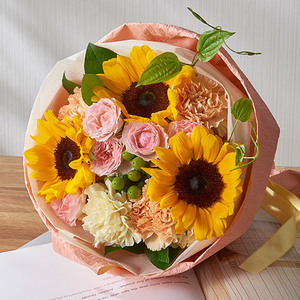 花束「7月の旬の花 ムートン」の商品画像
