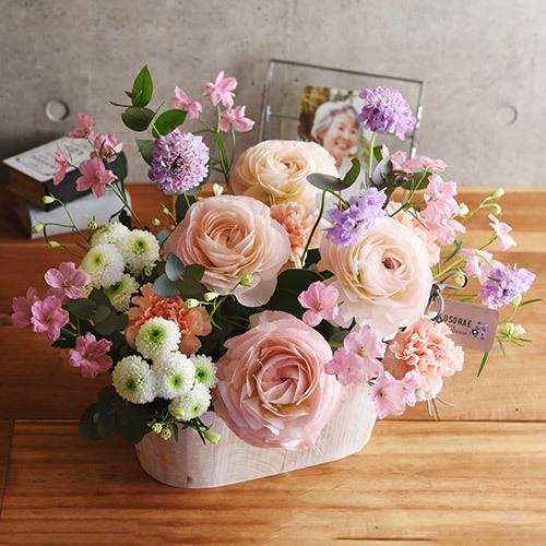 日比谷花壇【日比谷花壇】【お供え用】O・SO・NA・E flower 「3月のウッドボックスアレンジメント」