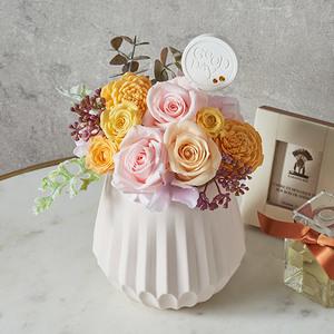 11月の誕生石モチーフプリザーブド&アーティフィシャルアレンジメント「トパーズ」の商品画像