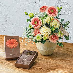 【お供え用】O・SO・NA・E flower 線香「花は咲く」(寄付付き)とアレンジメントのセットの商品画像