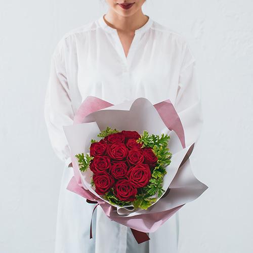 花束「品種指定バラ『アマダ』12本(ダズンローズ)」