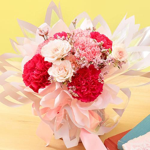 ブルーミング中西×日比谷花壇「桜柄ハンカチ」とそのまま飾れるブーケのセット