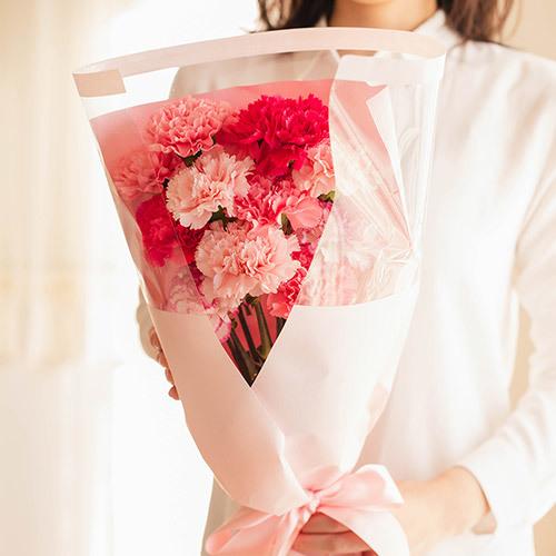 母の日 ピンク色のカーネーションの花束「いつもありがとう」