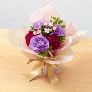 そのまま飾れるブーケ「5月に贈る花言葉」