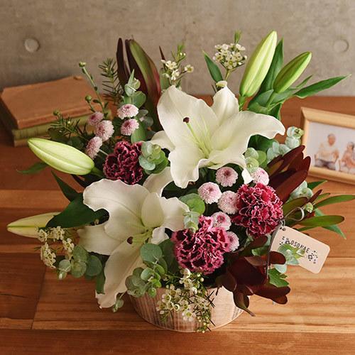 日比谷花壇【日比谷花壇】【お供え用】 O・SO・NA・E flower 「11月のウッドボックスアレンジメント」